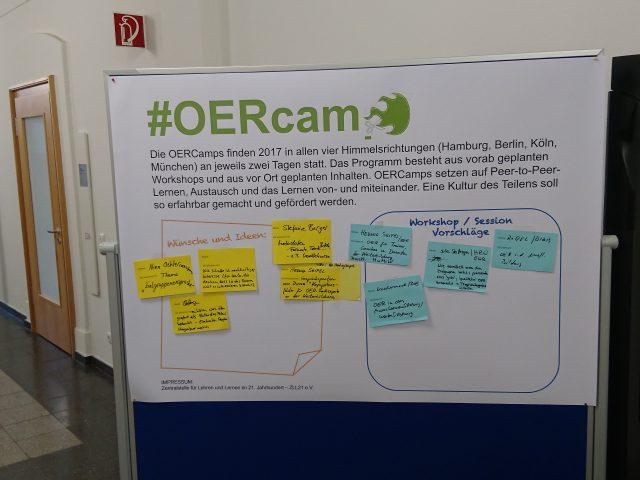 OERCamp Input-Sammlung an Stellwand und Zettelsammlung