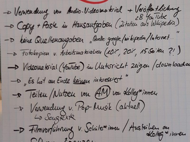 """Foto """"Verletzungen des Urheberrechts im Schulalltag"""" von Klaas Opitz für Projekt SynLLOER (uhh.de/synlloer) unter der Lizenz CC BY-SA 4.0 (https://creativecommons.org/licenses/by-sa/4.0/legalcode)."""